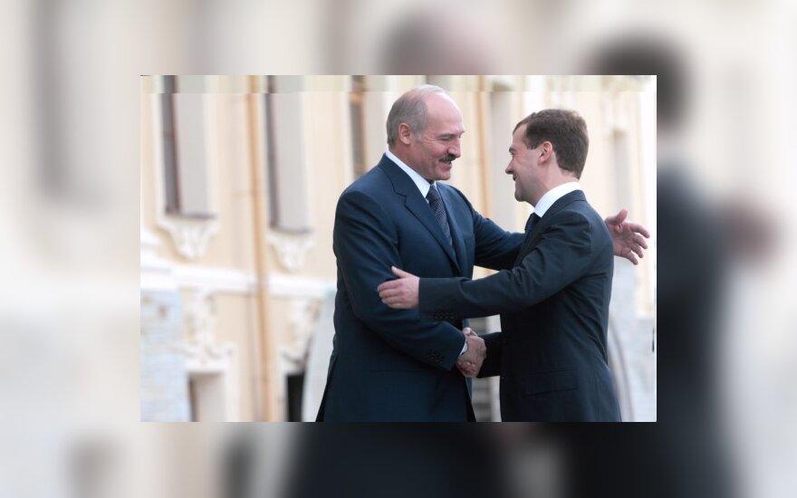 Медведев и Лукашенко: военные учения — регулярно