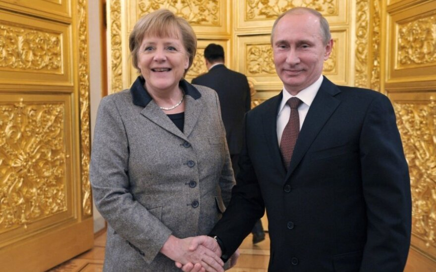 """Меркель готова """"без колебаний"""" ужесточить санкции против России"""