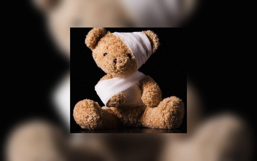 Невероятная жестокость: 10-летняя раздела 6-летнюю и била камнем по голове