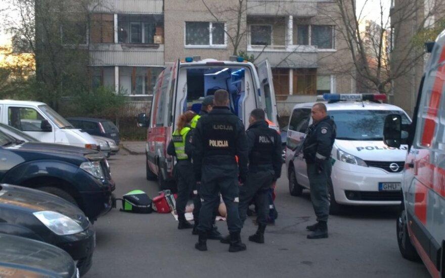 Vyras pro langą Vilniuje išmetė žmoną