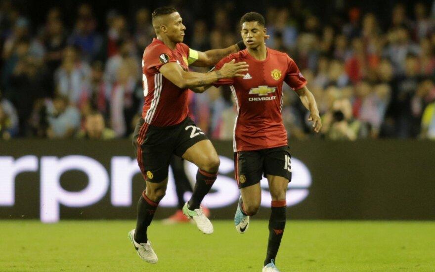 Marcusas Rashfordas (dešinėje) džiaugiasi įvarčiu