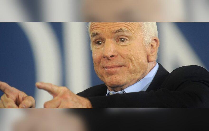 """Маккейн ответил Путину через """"Правду"""": россияне заслуживают лучшего президента"""