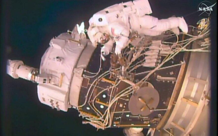"""НАСА отказалось от """"женского"""" выхода в открытый космос из-за скафандра"""