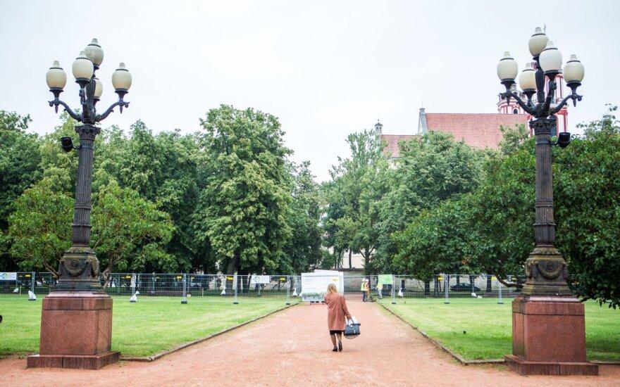 Власти Вильнюса собираются реставрировать фонари на Лукишкской площади