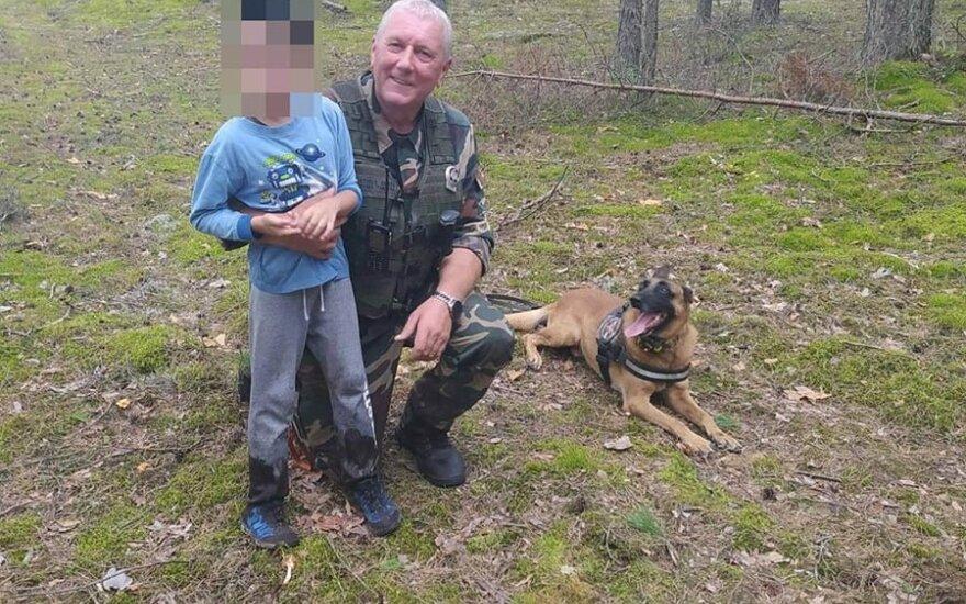 Пропавшего 8-летнего мальчика нашла служебная собака