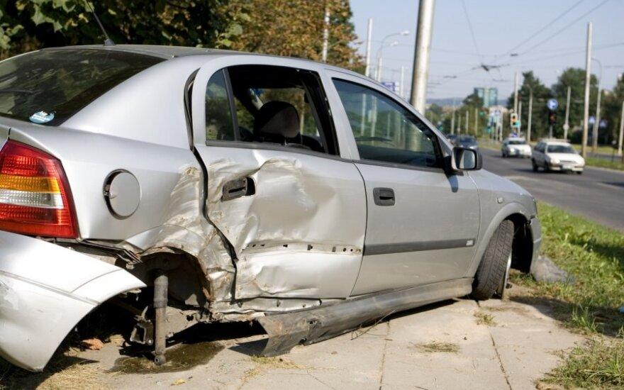 Неделя на дорогах Литвы: 74 аварии, 9 человек погибли, 83 пострадали