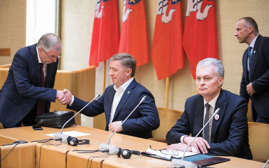 Науседа встречается с парламентским большинством: позиция Шимоните разочаровала Карбаускиса