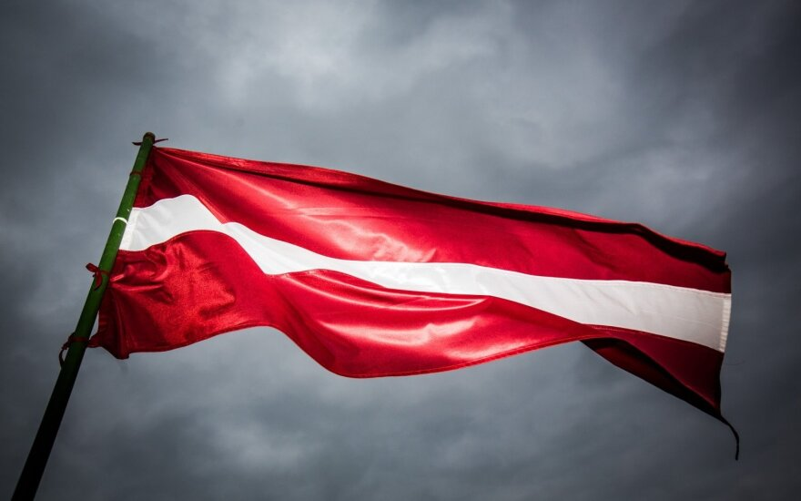 Латвийские банки закрывают счета нерезидентов