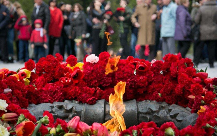 """Суд: организация """"Забытые солдаты""""не обязана снимать надгробие с могилы советского солдата в Литве"""