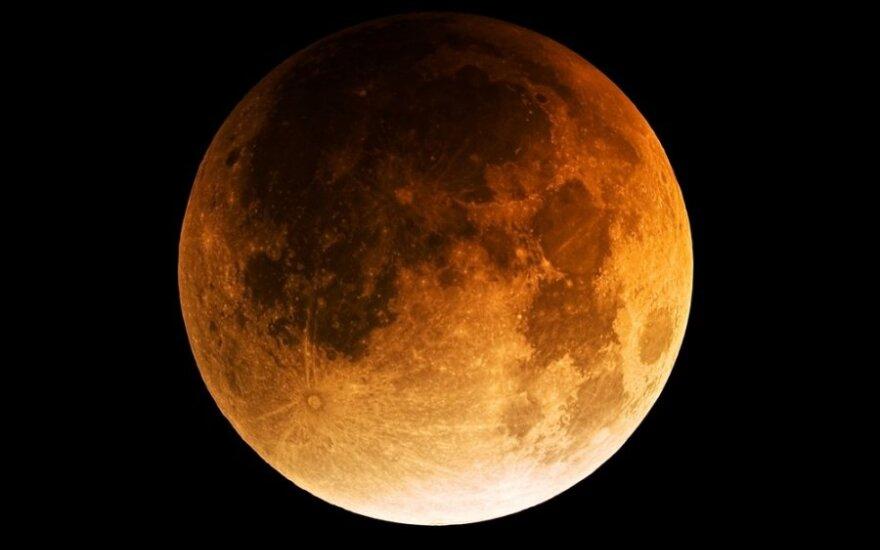 Американцы планируют создать на Луне базу и добывать там водород