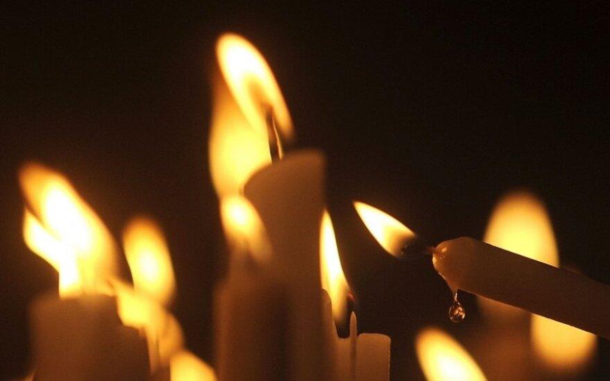 Degant žvakėms išskiria nemažai ir kenksmingų medžiagų