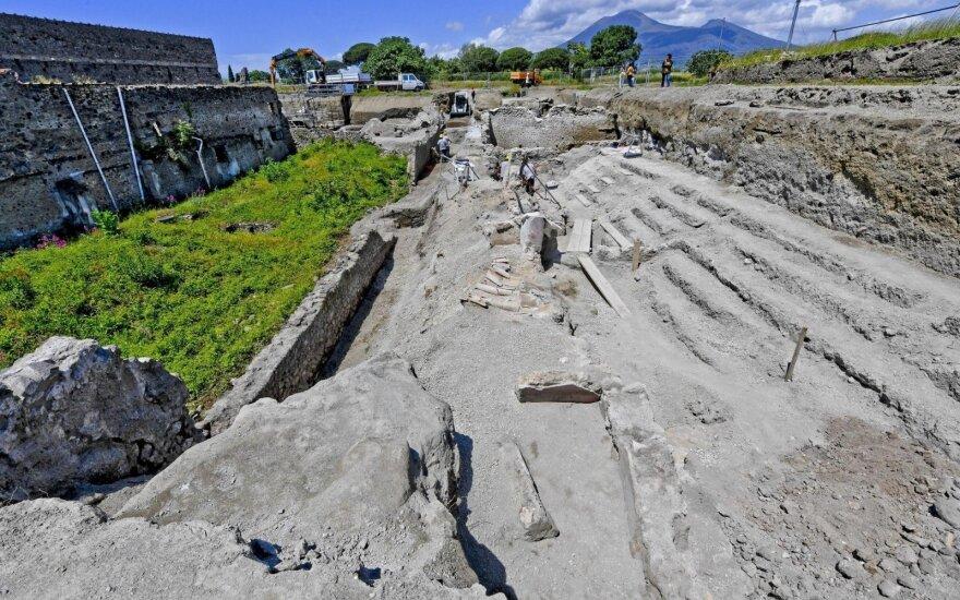 Archeologai Pompėjoje aptiko gatvę su pastatų balkonais
