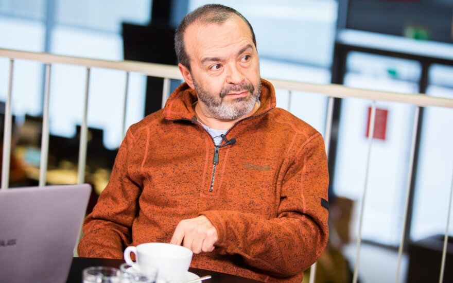 ВИДЕО: Виктор Шендерович ответил на вопросы журналистов и читателей DELFI