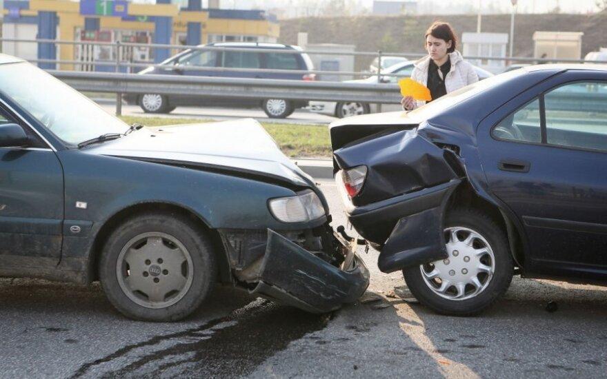 В четверг утром в Гарюнай столкнулись четыре автомобиля
