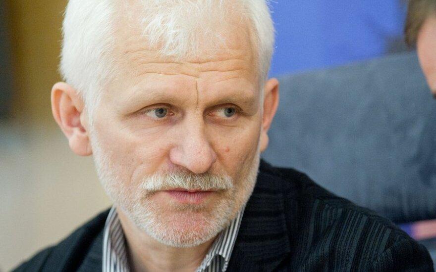 В Беларуси наложили арест на квартиру правозащитника Беляцкого