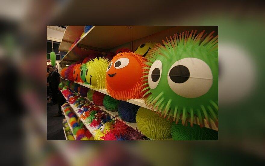 Детям – пропитанные химикатами игрушки