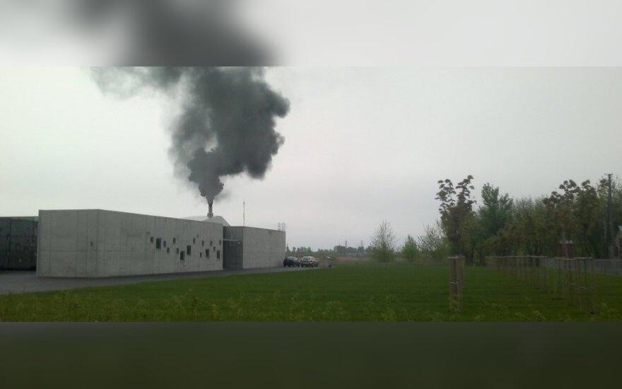 Жителя Кедайняй поразили столбы дыма из крематория