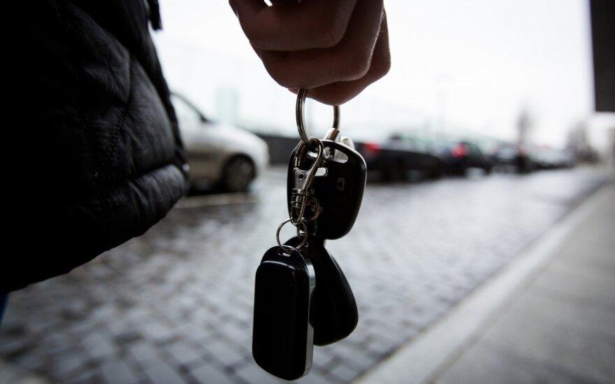 Житель Вильнюса обменял свою машину на угнанную