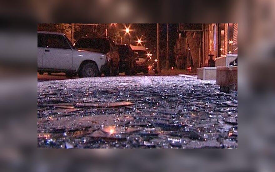В Махачкале у ресторана прогремели два взрыва: есть пострадавшие
