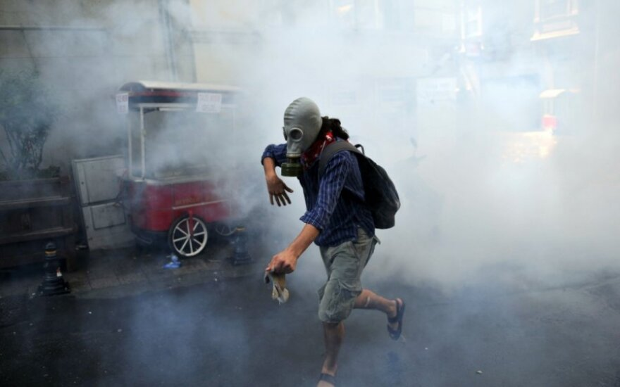 Турция: мечети и лавки превращают в пункты для раненых