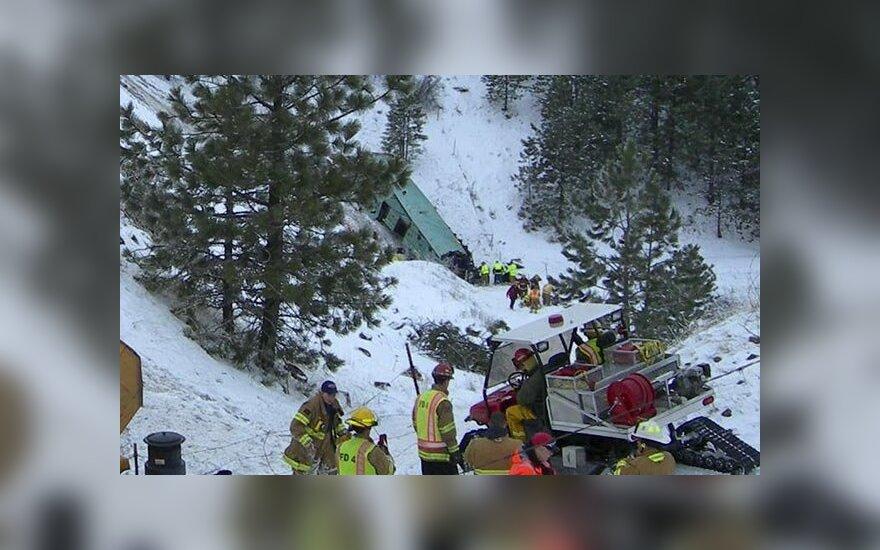 Автобус с канадскими туристами разбился по дороге из Лас-Вегаса - девять погибших