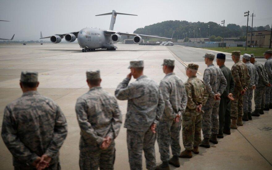 JAV karių palaikai iš Korėjos karo parskraidinti į Pietų Korėją