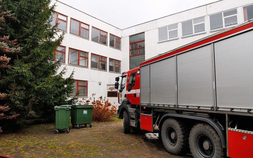 В Вильнюсе из-за пожара из прогимназии эвакуировали больше 900 человек
