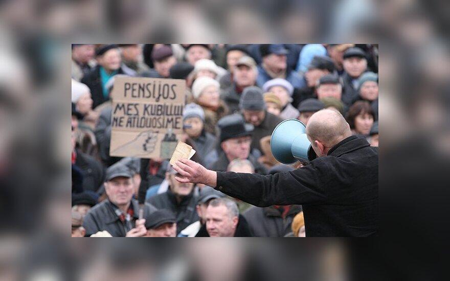 Пенсионеры с профсоюзами обещают протестовать у Сейма