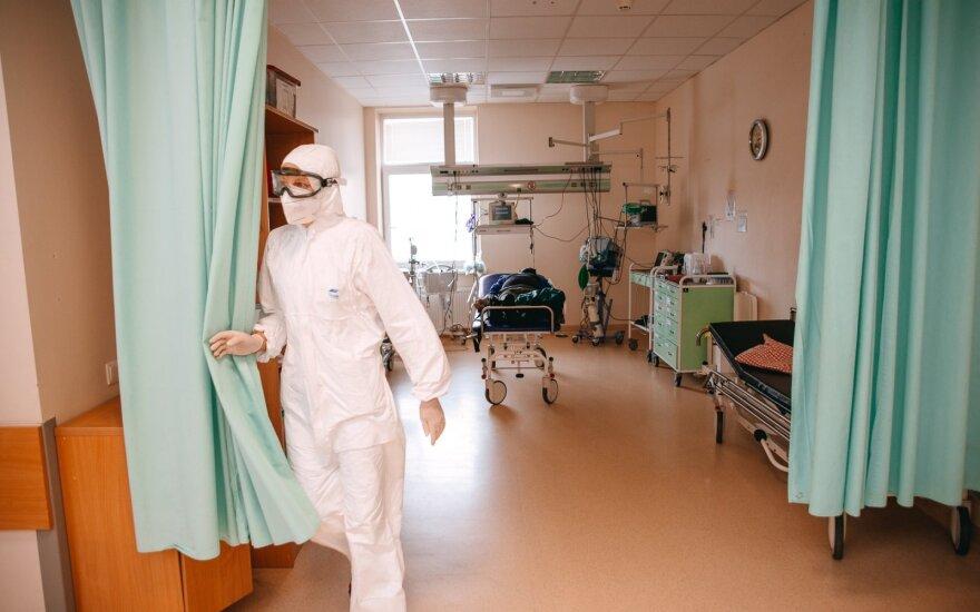 В Паневежскую больницу приехал молодой человек с ножевыми ранениями в области спины