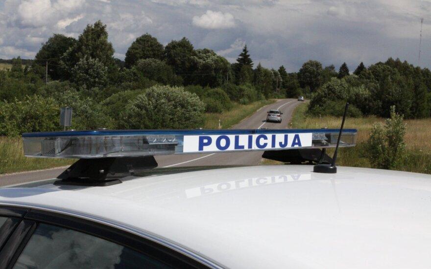 Трагическая авария на трассе Вильнюс-Паневежис: погибла одна женщина, водитель и ребенок в больнице