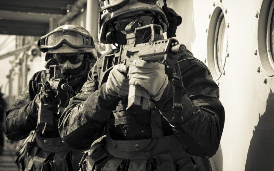 Litewscy nurkowie wojskowi podczas treningu i w akcji