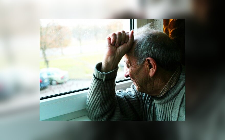 Министр уверяет, что пенсии восстановят в 2012 году