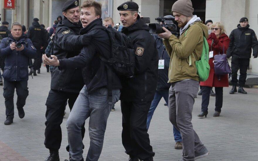 """""""Задерживаем всех"""": в Минске продолжаются задержания"""