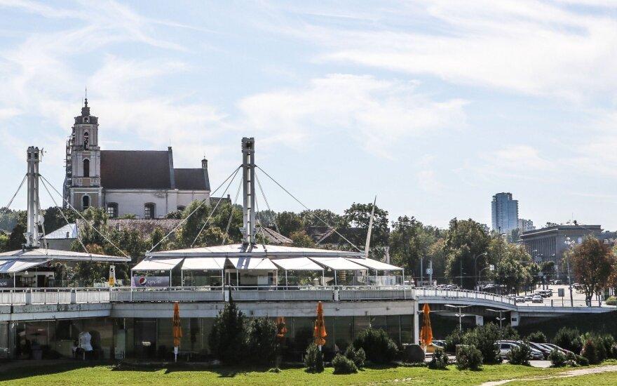 У Белого моста в Вильнюсе ножом были ранены два человека