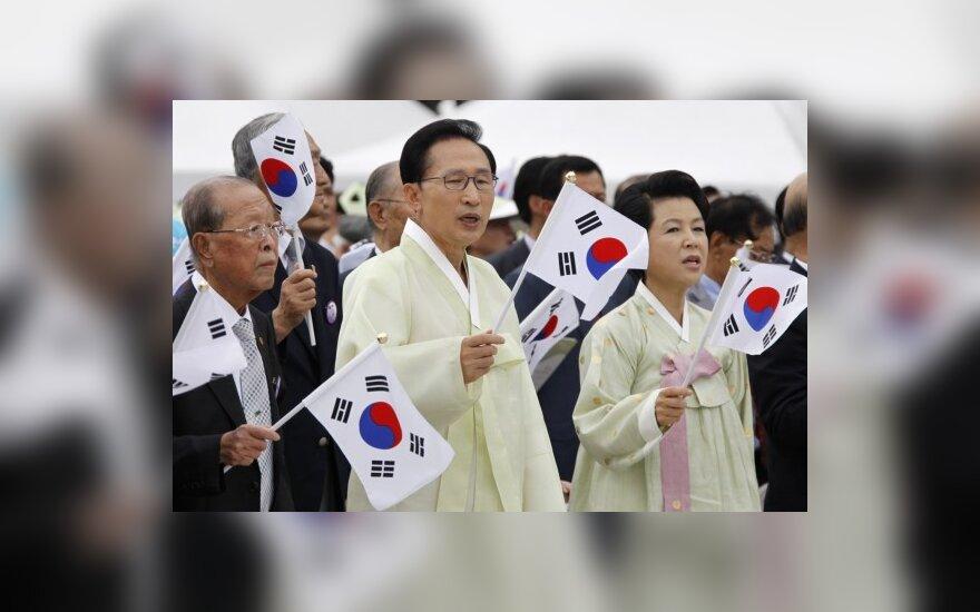 Pietų Korėjos prezidentas Lee Myung-bak su žmona