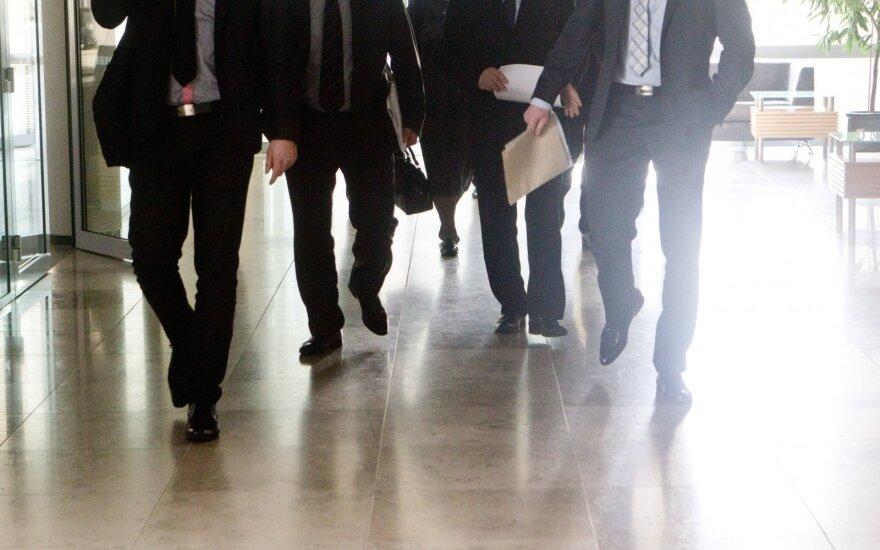 Кумовство на местном уровне: почти 20% работников самоуправлений Литвы – родственники