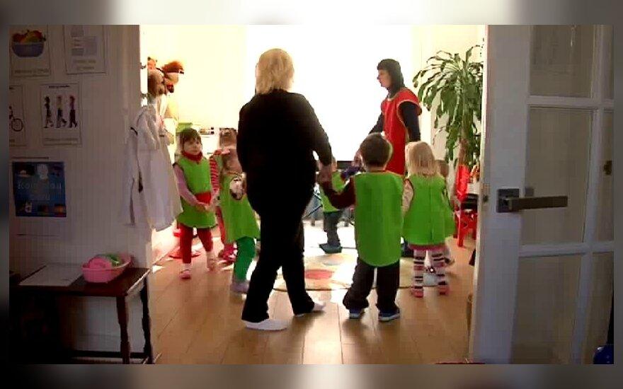 Из детских садов увольняют воспитателей