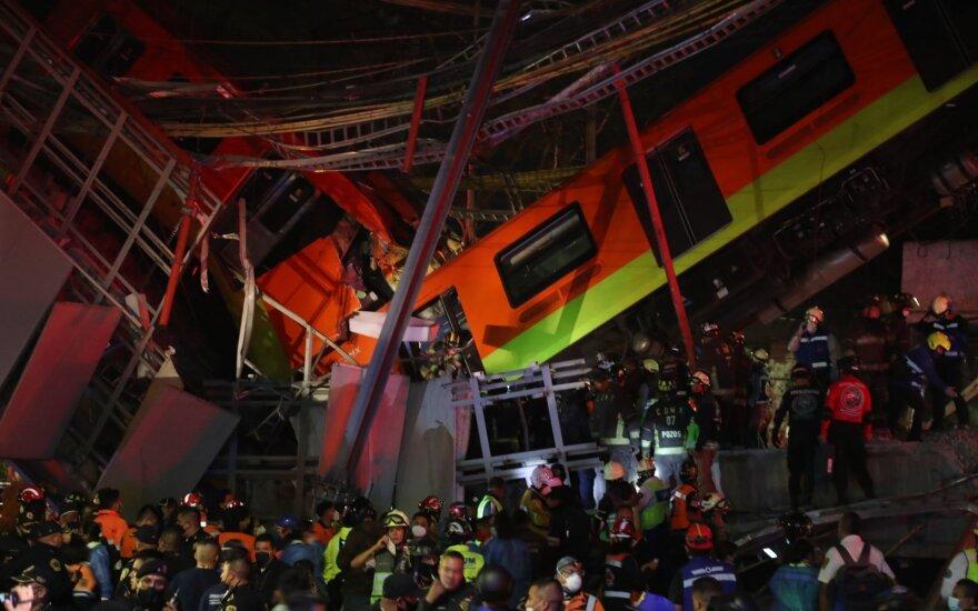 При обрушении метромоста в Мехико погибли не менее 20 человек