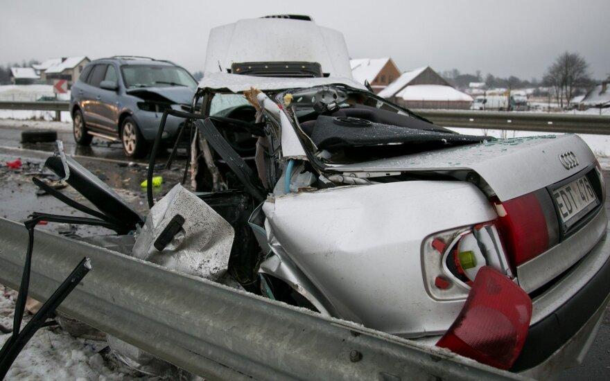 Трагическое утро в Вильнюсском районе: в ДТП погиб человек