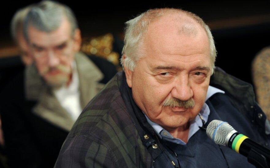Роберт Стуруа отказался руководить Театром на Таганке