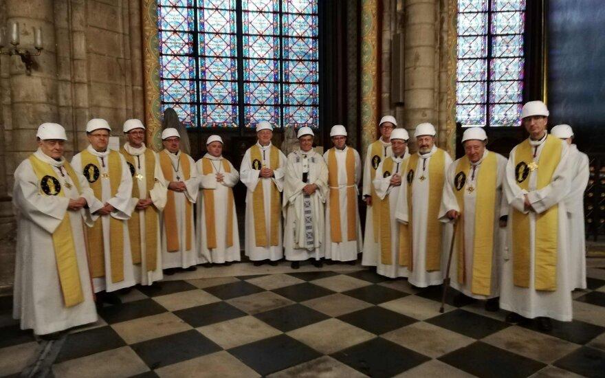 Mišios Paryžiaus Dievo Motinos katedroje