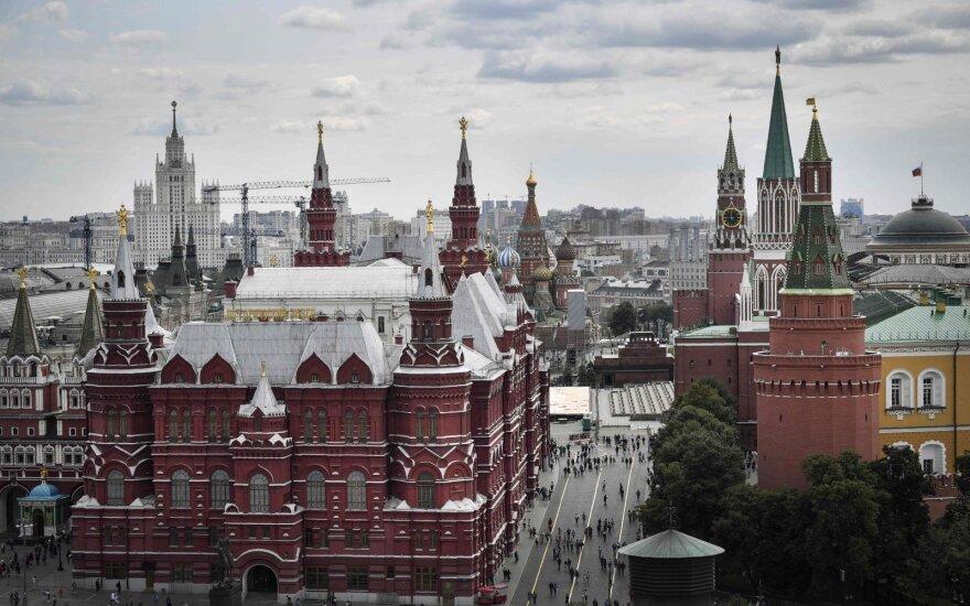 На Тверскую завезли снег. Почему смеются над властями Москвы?