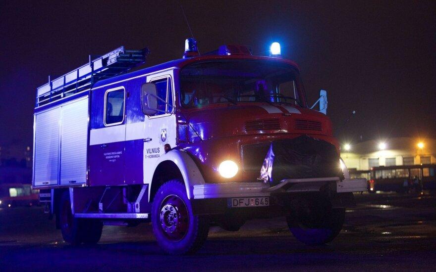 В Юрбаркасе подожгли квартиру – матери спасали детей, бросая их в окна