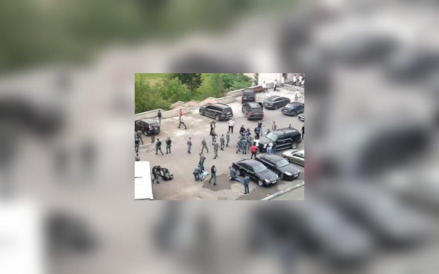 Участникам драки с полицией в общежитии предъявили обвинения