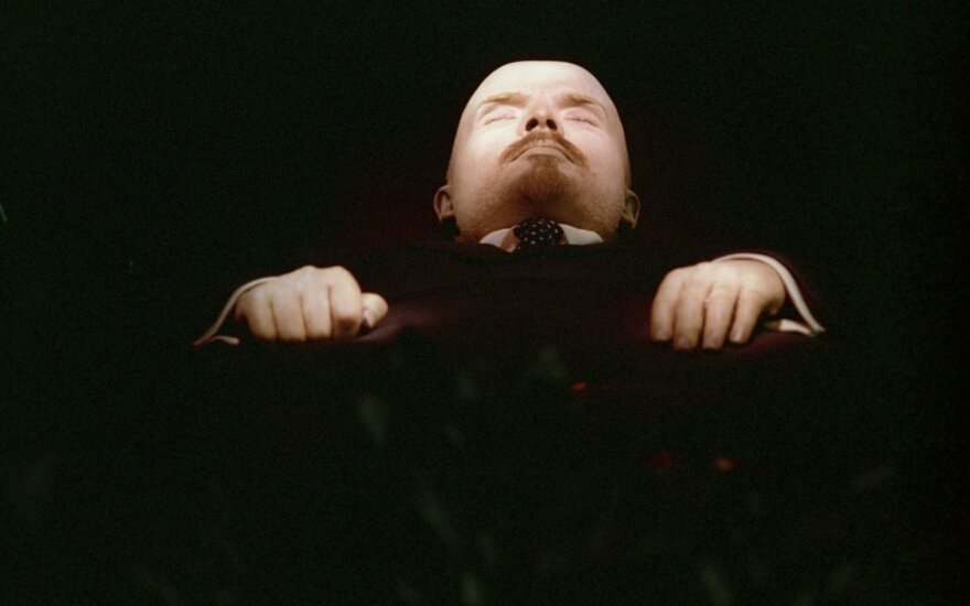 Зюганов: Путин обещал оставить тело Ленина в мавзолее