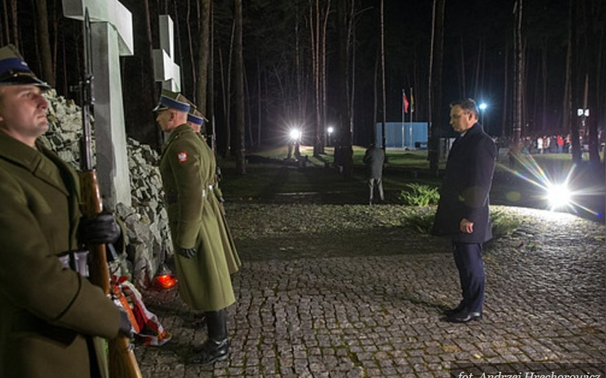 Prezydent złożył wieńce na Polskim Cmentarzu Wojennym w Bykowni