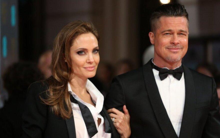 СМИ: Брэд Питт хочет развестись с Анджелиной Джоли