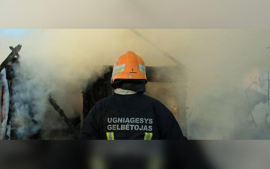 Пожарные подрались во время тушения пожара