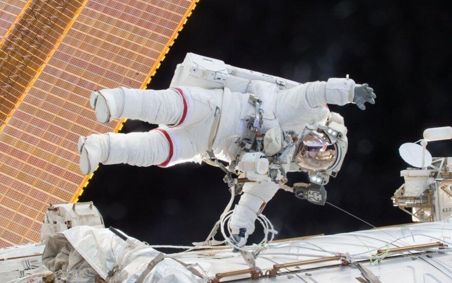 Умер астронавт, первым вышедший автономно в открытый космос