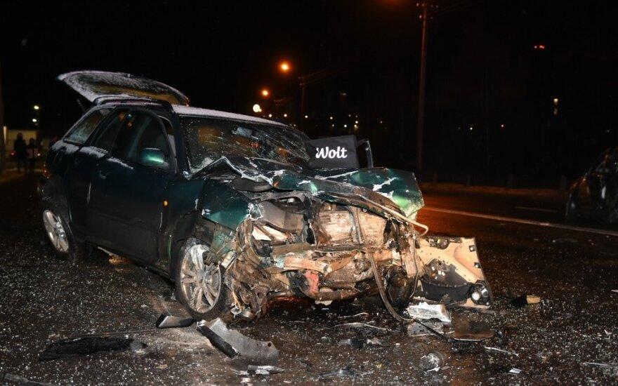 В Паневежисе произошло серьезное ДТП, пострадали три человека